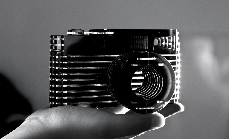 Leica-mao2