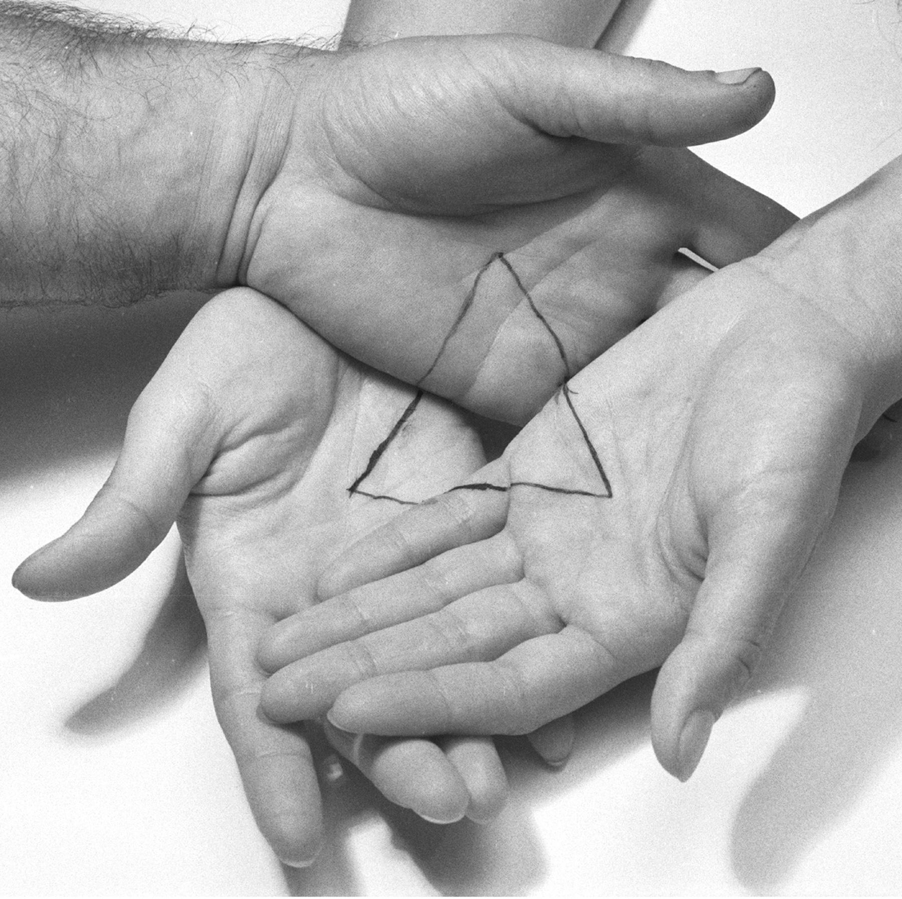 Porter,-Liliana_hands_triangle